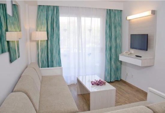 Aparthotel Diamant: Apartamentos con salón, cocina y dormitorio independiente