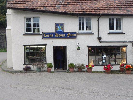 Exmoor National Park, UK: LOrna Doone farm gift shop