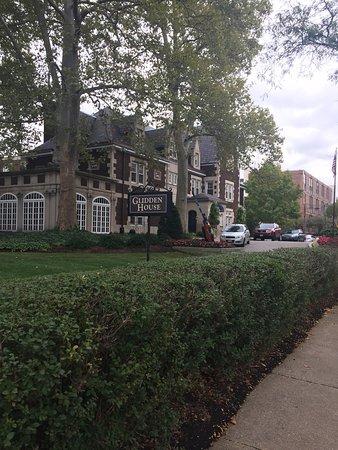 Glidden House: photo0.jpg