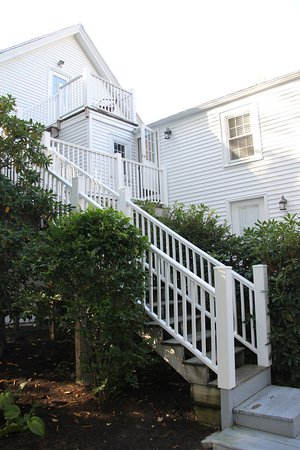 Abalonia Inn : The stairs to our room