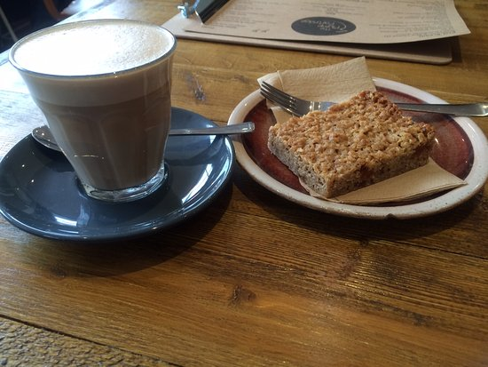 Northamptonshire, UK: Latte and Apricot Flapjack