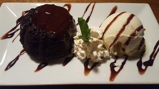 นิวตัน, นิวเจอร์ซีย์: lava cake with a scoop of vanilla ice finished with chocolate sauce and whipped cream