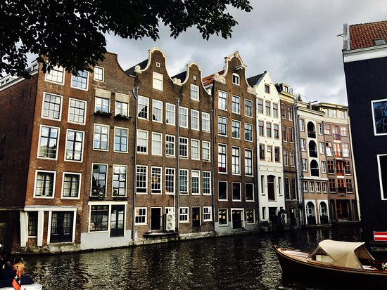 Amsterdam in World War II Walking Tour: A beautiful city where Nazis once tread