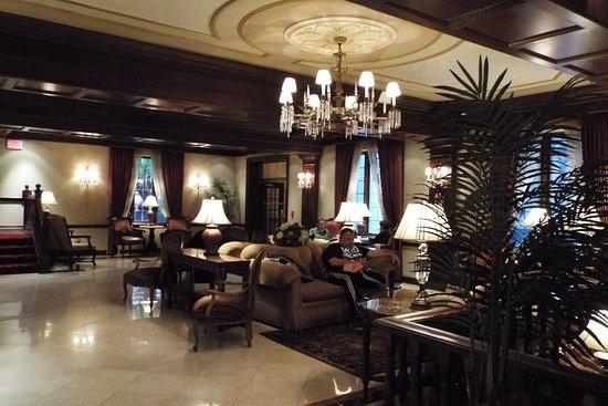 มอร์ริสทาวน์, นิวเจอร์ซีย์: Hotel Lobby