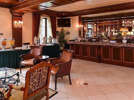มอร์ริสทาวน์, นิวเจอร์ซีย์: Breakfast Lounge