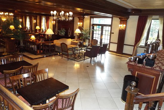 Morristown, NJ: Breakfast Lounge and Lobby