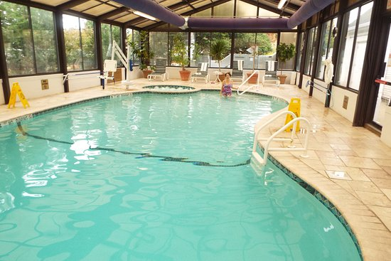 Morristown, NJ: Indoor Pool and Hot Tub