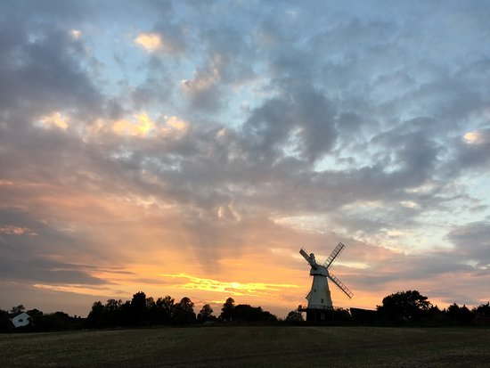 Sunset over Woodchurch windmill