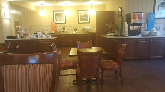 hampton inn pittsburgh area beaver valley ctr township. Black Bedroom Furniture Sets. Home Design Ideas