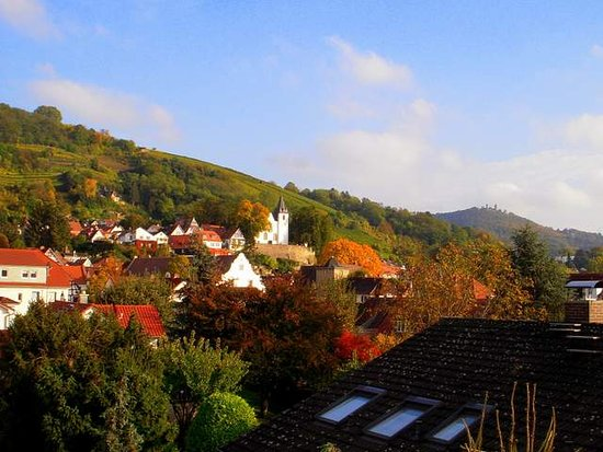 Zwingenberg, Duitsland: Lovely autumn view from my room's balcony