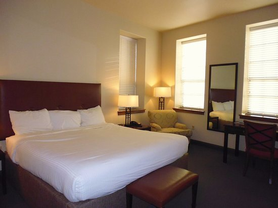 Cork Factory Hotel: Room 223