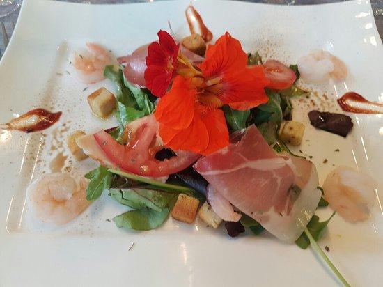 Meulan, France: Quelques délicieuses assiettes ou décorations de fernando et Maria,  Savoureux comme toujours ..