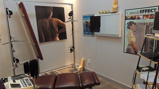 Chiropractor, Chiropractic Care Treatment at TEAL, Montreal Road, Ottawa