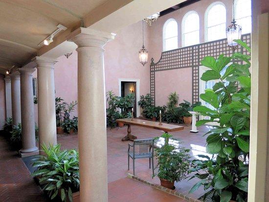 Glens Falls, Estado de Nueva York: Hyde House Courtyard