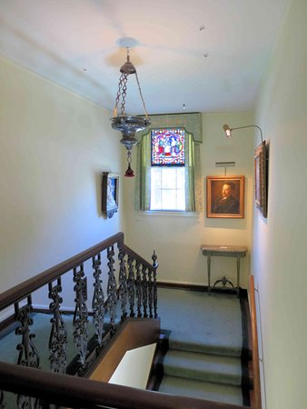 Гленз-Фоллз, Нью-Йорк: Hyde House Stairwell - The house is grand, the stairwell, not so much