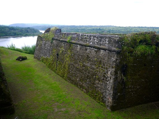 San Lorenzo Hisarı: Fort San Lorenzo