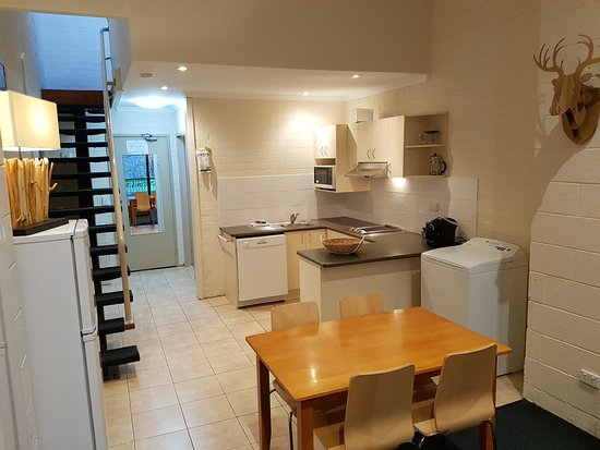 Cedarwood Apartments