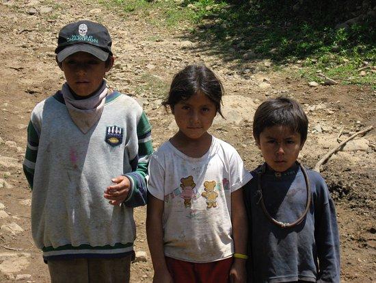 Los Toldos, Argentyna: children