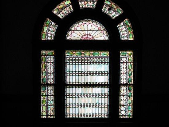 Rockcliffe Mansion: Exquisite glass