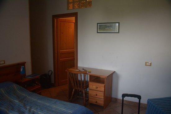 Ceriana, Italy: Lo necesario para descansar, sitio apacible sin ruidos externos.