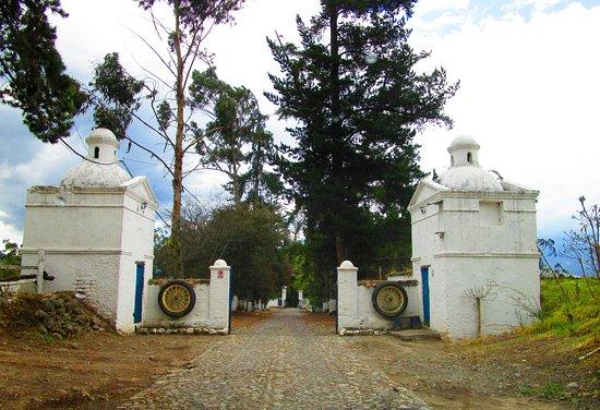 Hacienda Pinsaqui: Arriving