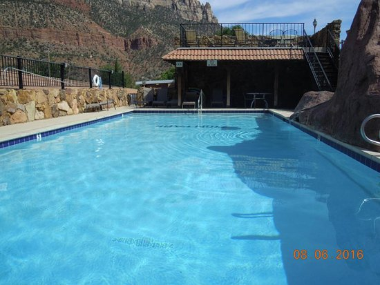 pool zion park motel