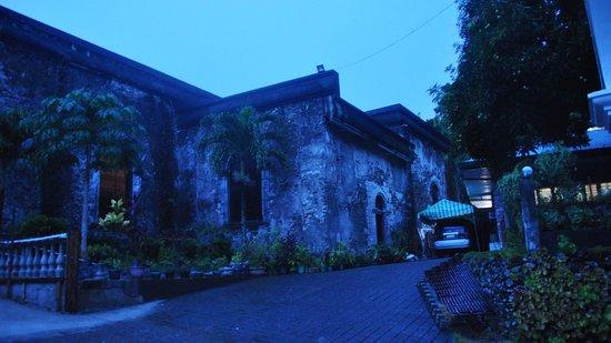 Bato Church: Structure