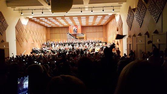 CumhurbaskanlIgI Senfoni OrkestrasI Konser Salonu