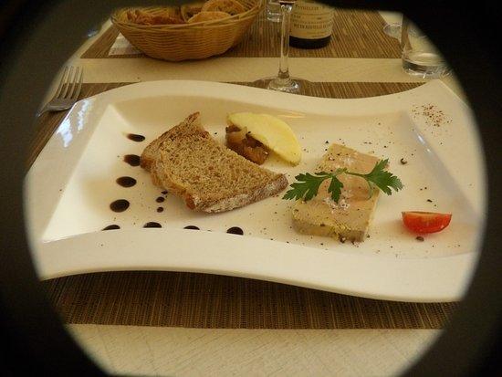 Montagne, فرنسا: la tranche de foie gras