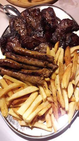 Potkovica: Horse medallions and sausages