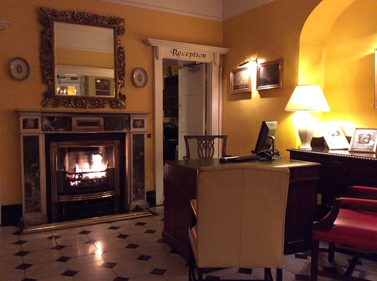 Dunraven Arms Hotel: Reception area