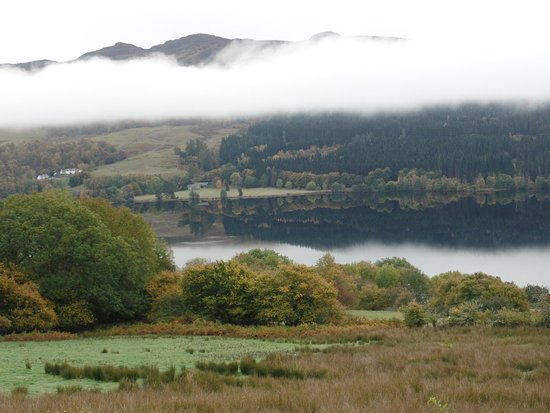 Strath Tummel, UK: View from the Inn over Loch Tummel