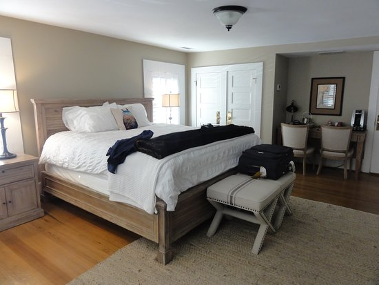 The New Public House & Hotel: Bedroom 2