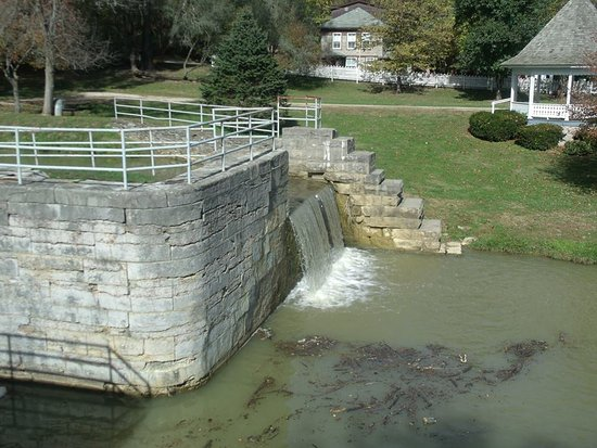 Connersville, IN: waterfall for working grist mill