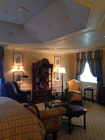 Washington, VA: Julia Child Suite