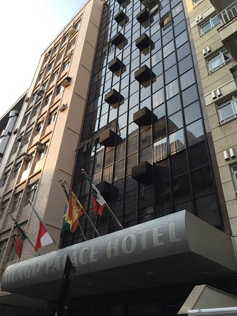 Mengo Palace Hotel: Visão externa