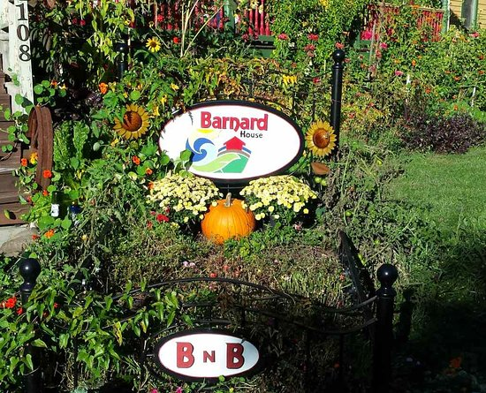 Emlenton, PA: Barnard House Sign in early fall