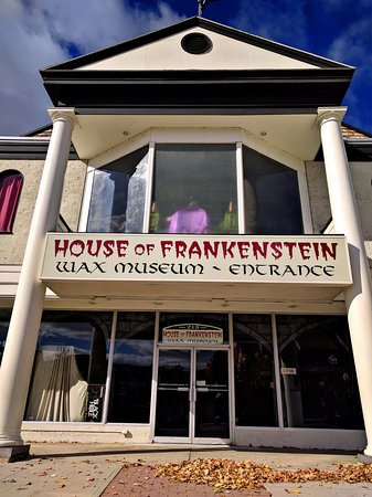 House of Frankenstein Wax Museum: House of Frankenstein exterior
