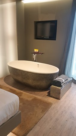 Bath for 2