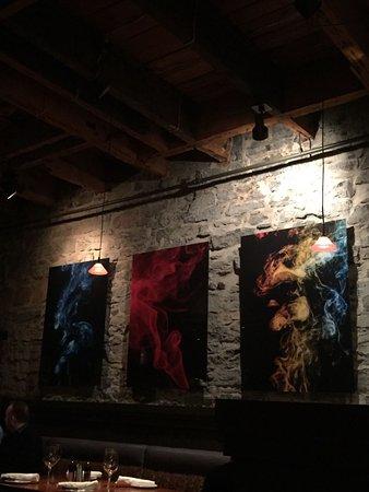The Keg Steakhouse + Bar   Vieux Montreal: Mondern, Rustikale Einrichtung    Gemütlich
