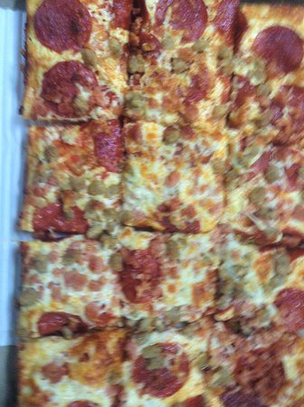 Domenic's Pizza: Detroit style pizza pick your own toppings