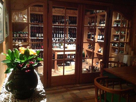 Gasthof Brandstätter: cave a vin