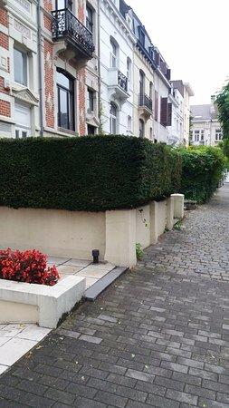 Hotel Catalonia Brussels: La vecindad muy linda