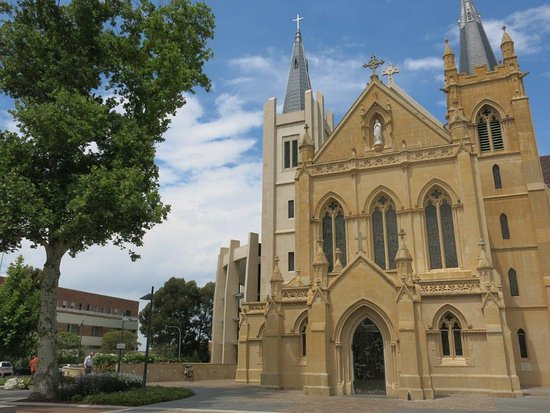 St. Mary's Cathedral: Cathedral from the entrance
