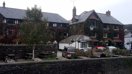 Exford, UK: Another view of the hotel