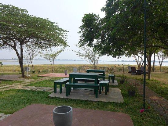 hotel lake park picture of thidas arana lake hotel polonnaruwa