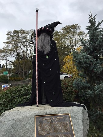 Gibsons, Canada: Halloween George is ready for All Hallows' Eve