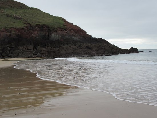 Manorbier, UK : Stunning beach.  Pure peace and quiet.