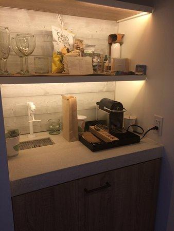Unique Mini Bar In Kitchen