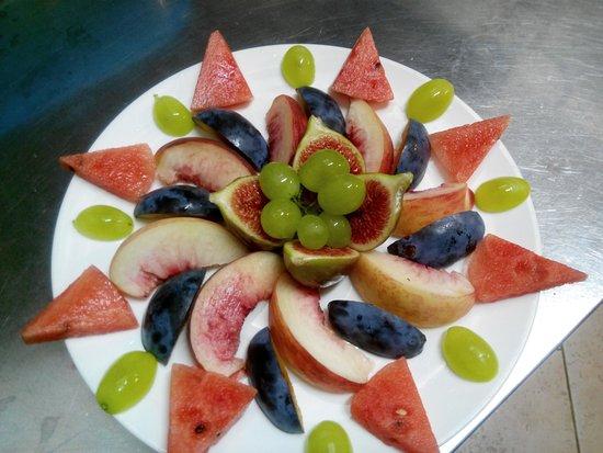 Popolare Composizione di frutta fresca - Foto di La Giara, Pezze di Greco  VQ94
